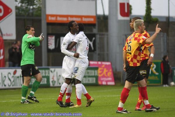 Brou Apanga vient de marquer, Brest va battre Lens 3-1 et fait un pas important vers le maintien