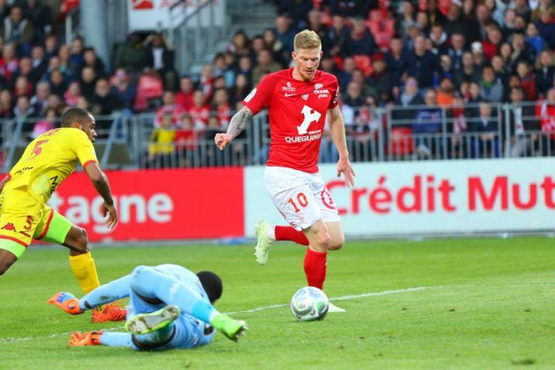 Charbonnier marque contre Quevilly-Rouen (37e journée)